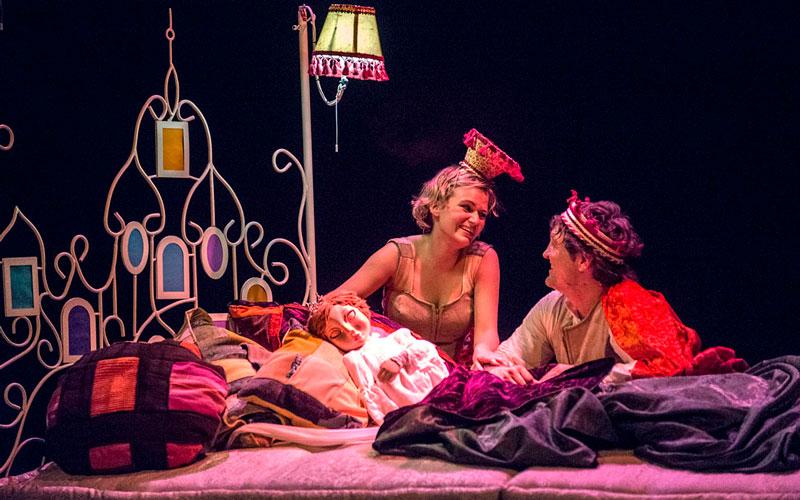 Teatre familiar: L'ENDRAPASOMNIS