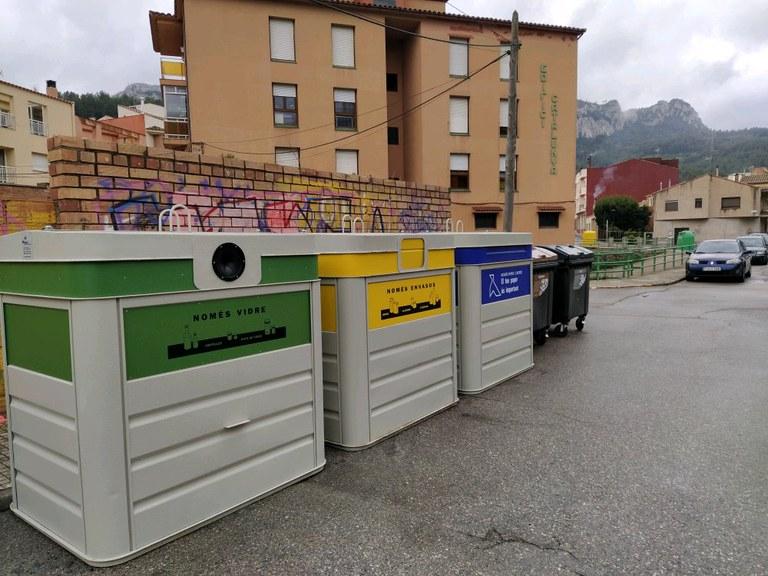Nova àrea de contenidors situada a la cantonada entre els carrers Gavadà i Pau Casals
