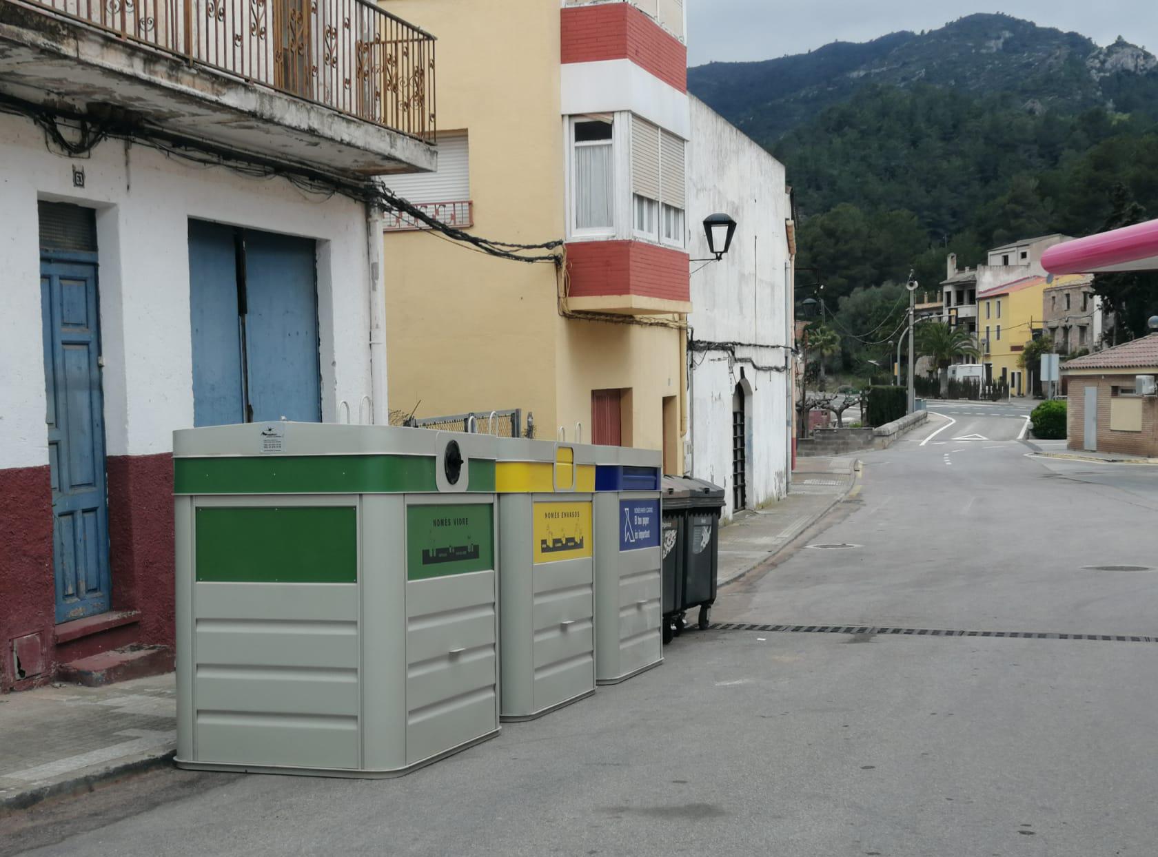 Dues noves àrees de contenidors al poble de Vandellòs
