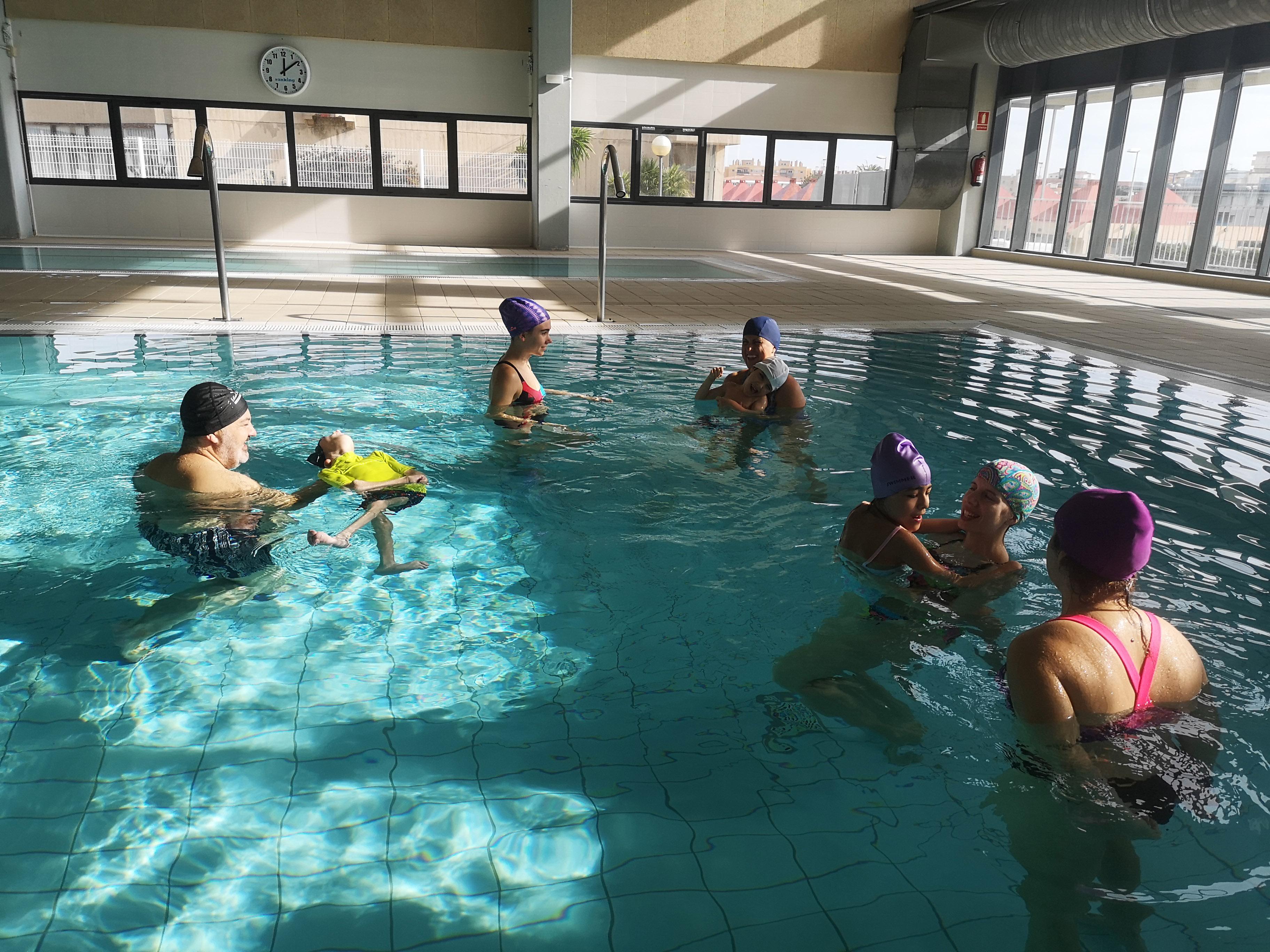 L'Ajuntament de Vandellòs i l'Hospitalet de l'Infant cedeix la piscina coberta a diverses entitats per a fins terapèutics