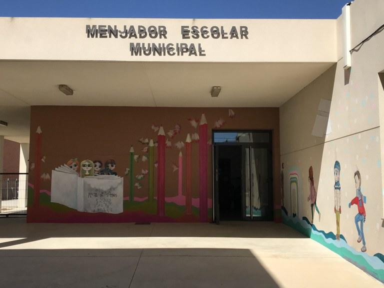 Una part del mural que ha pintat l'artista local Evelyn Roca