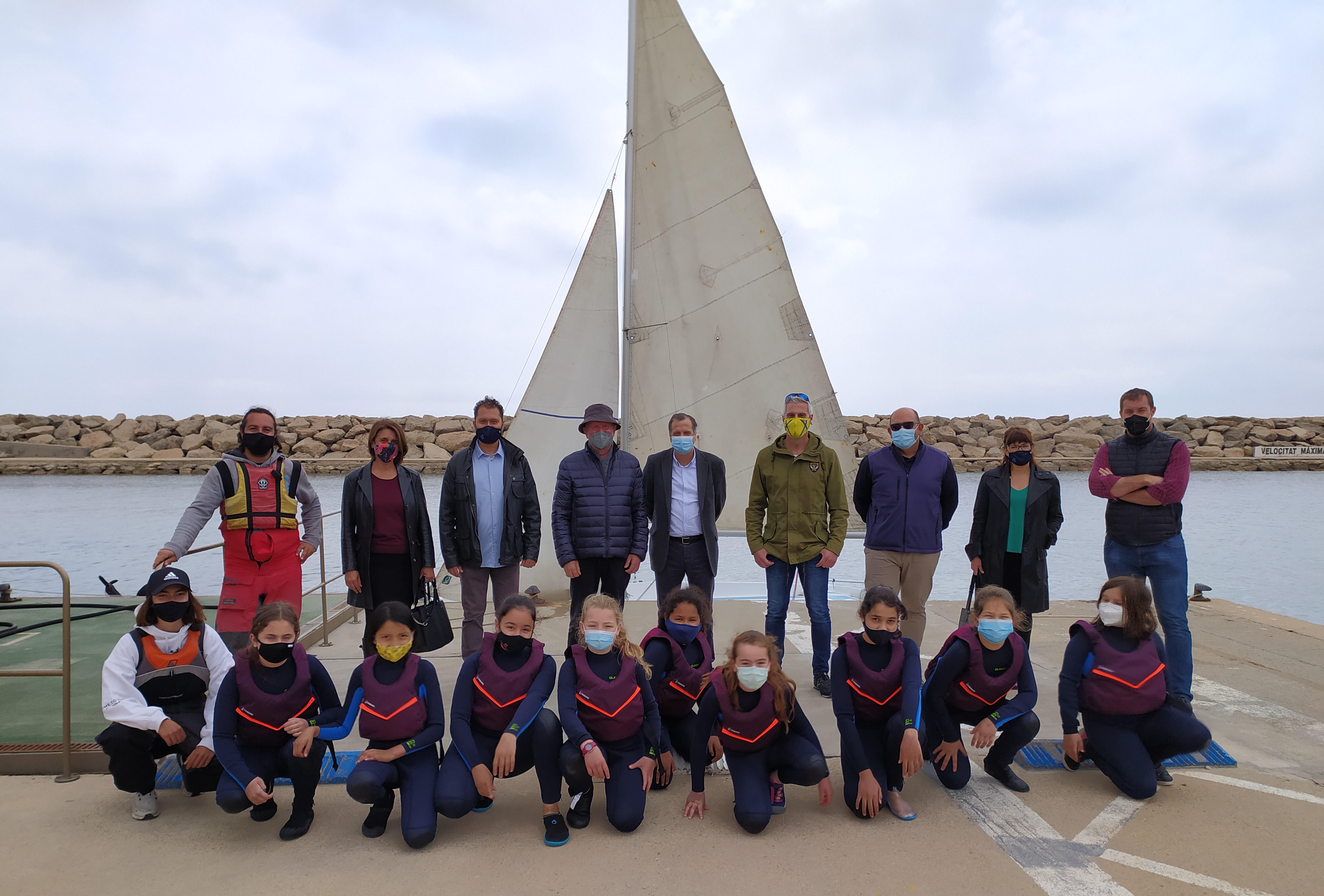 L'alumnat de 5è de primària de Vandellòs i l'Hospitalet de l'Infant participa en el programa de vela escolar Esport Blau