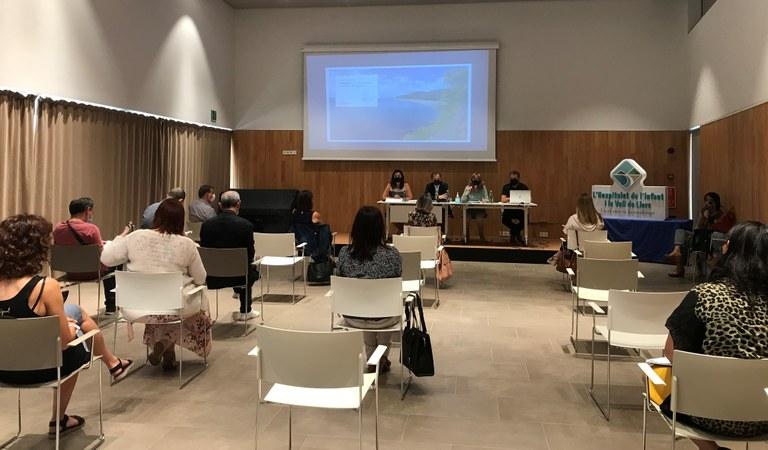 La roda de premsa i la reunió prèvia del Consell Consultiu de Turisme ha tingut lloc a la Casa de Cultura Blanca d'Anjou