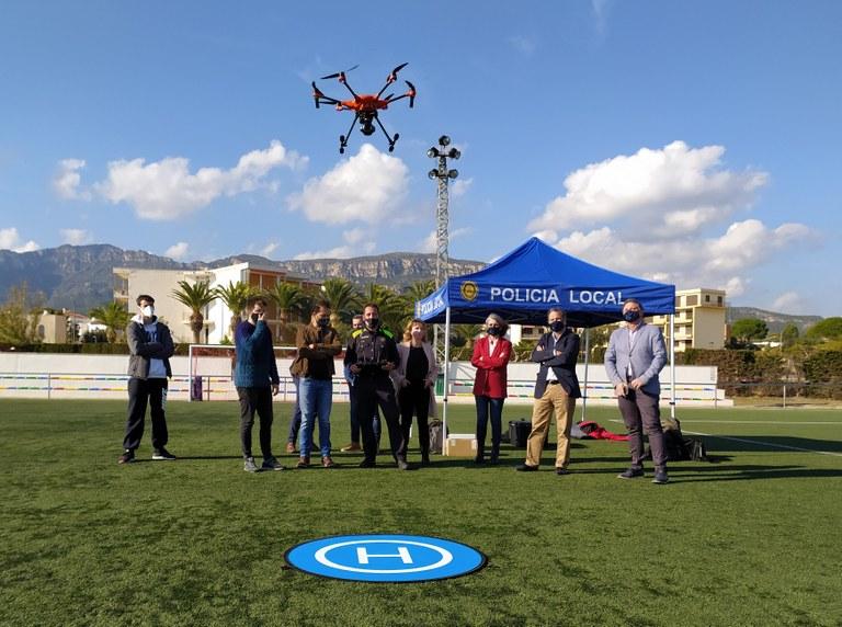El dron adquirit, volant