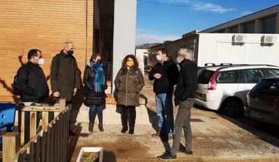 Visita dels tècnics municipals i de  l'arquitecte Enric Jené a l'Escola Mestral