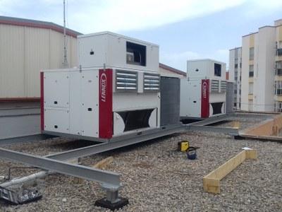 Les màquines de climatizació que s'han instal·lat al pavelló cobert de l'Hospitalet de l'Infant