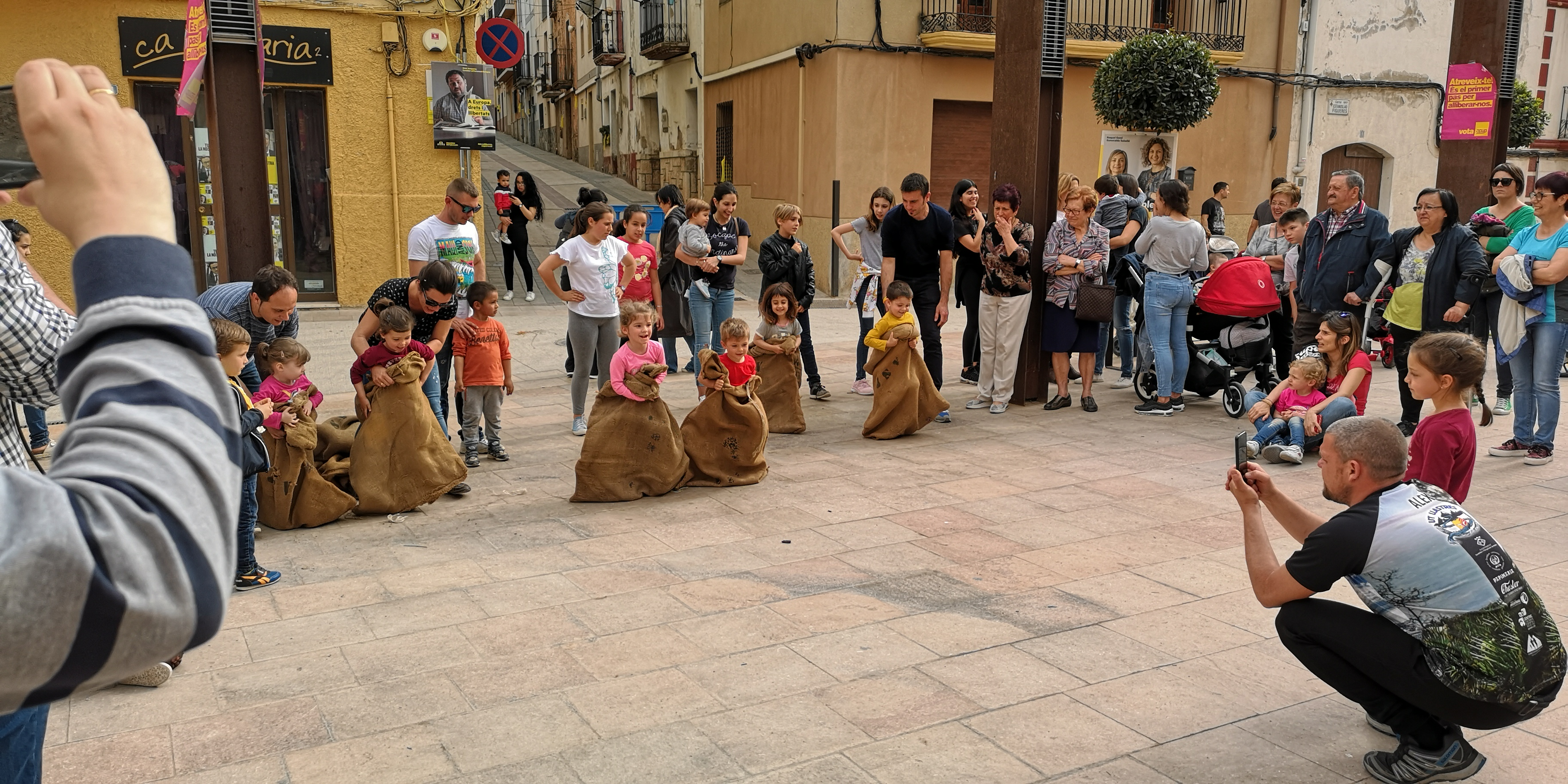 Jocs infantils al carrer