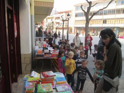 Venda de llibres a l'Hospitalet de l'Infant